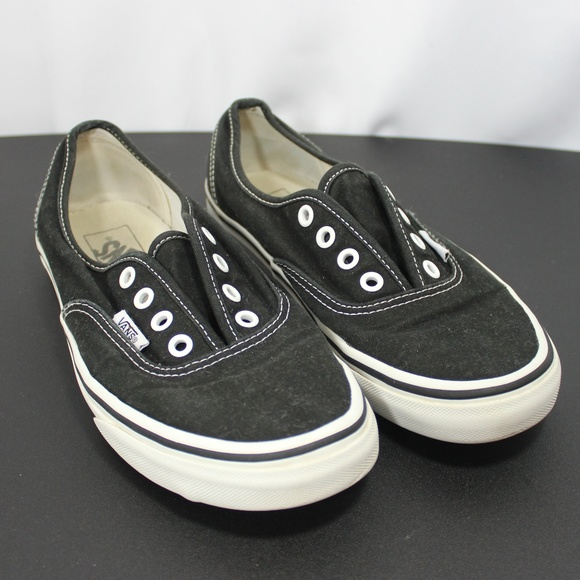 places that sell vans shoes